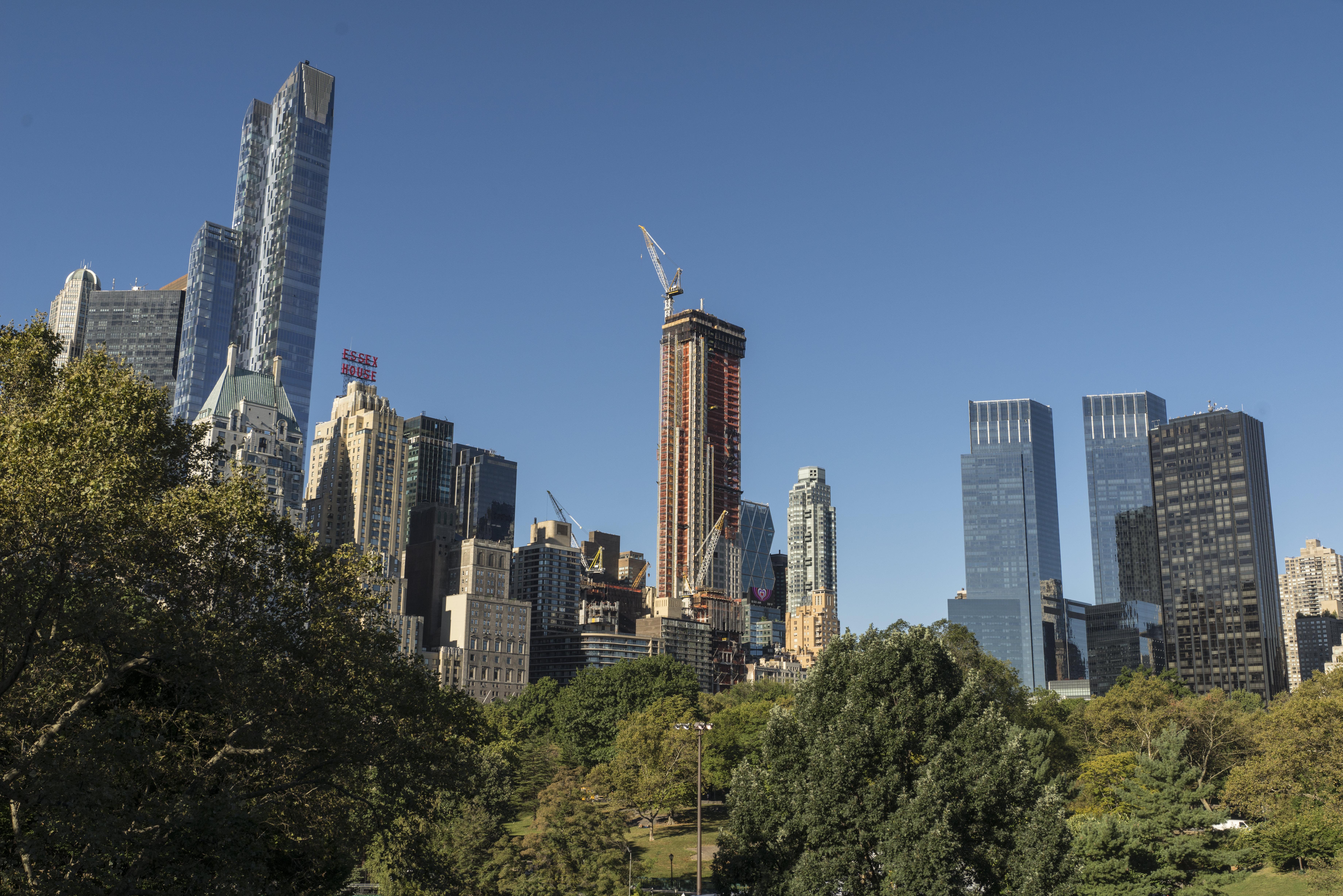 au dessus des toits de manhattan l 39 immeuble r sidentiel le plus haut du monde se coffre en. Black Bedroom Furniture Sets. Home Design Ideas
