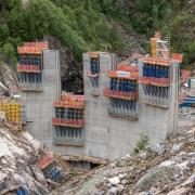 Using Dam formwork D35, for the first time it is possible to form blocks that are 5 m high. With this standard system Doka is able to meet the requirements of this project without special constructions or additional measures.