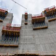 "Premiere for Dam formwork D35: the new Doka standard system is used for the first time during construction of the barrage ""Dam Sarvsfossen"" in Norway."