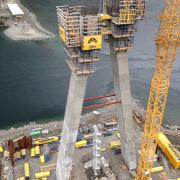 With Doka know-how, a bridge is being built over the Kåfjord in northern Norway. Nine SKE automatic climbers are being used in the construction of the 72.5 m pylon.