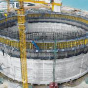 The crane-lifted Climbing formwork MF240 ensured systematic forming processes as well as rapid construction process during construction of the LNG tank Map Ta Phut in Thailand that measures <br /> 82 m in diameter and is 52 m high. <br />